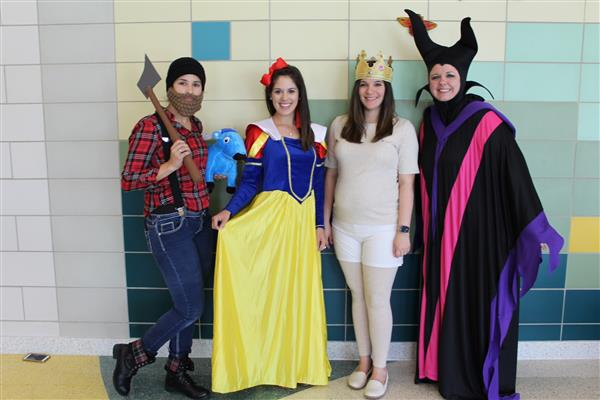 2nd Graders celebrate Fairy Tale Day!